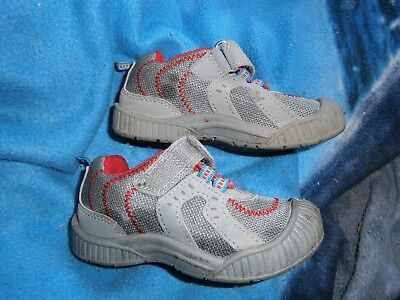 Child/Toddler OSHKOSH BGOSH SNEAKERS  SZ 7 GRAY/RED L@@K
