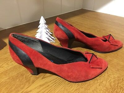 Vintage 1980s Red Black Christmas Shoes 7 Heels Suede Court 40 Dorothy Wizard Oz
