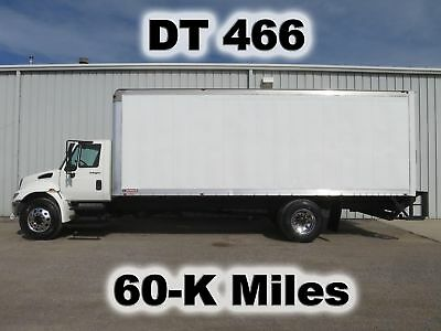 4300 Dt466 Automatic  24Ft Box Cube Van Delivery Lift Gate Truck 60-K Low Miles