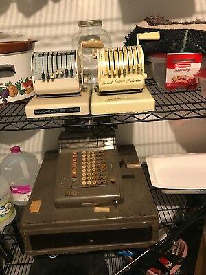 VINTAGE NATIONAL CASH REGISTER WITH KEY and two pay masters
