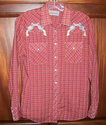 Vintage Stylewise Women's sz 38 Red Western Shirt with Snaps and Gun Appliques