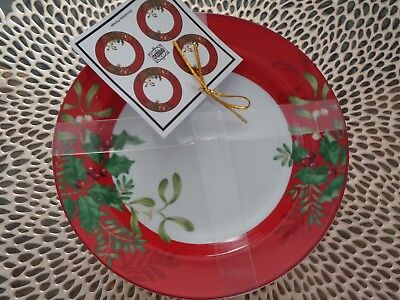 222 Fifth Christmas Foliage Appetizer Dessert Plates Holly Berries Set 4 NEW