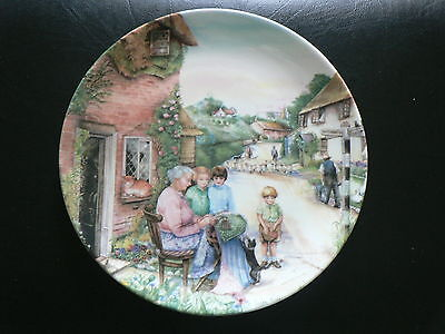 Royal Doulton Collector Plate, The Lacemaker, Old Country Crafts