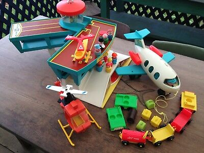 FISHER PRICE PLAY FAMILY AIRPORT #996 LITTLE PEOPLE Vintage 1970/72 StellarCond.