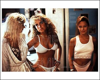 GHOULIES III GO TO COLLEGE 8X10 Photo 05 sexy girls in underwear / cult horror