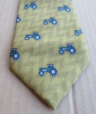 GREEN  TRACTOR  <>  SUPERB !  SILK   NECK  TIE <> by SOPRANO Novelty <> UNUSED