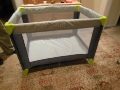 Cuggi Little Snooze Travel Cot/ Baby Safety Pen Vgc