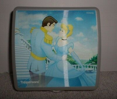 Tupperware Cinderella Day Night Sandwich Keeper