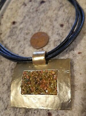 """DOLCE VITA Stunning rectangle green/pink Pendant Necklace 14-16"""" Black cord"""