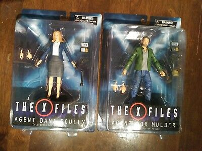 X-files Action Figures Mulder And Scully 2016