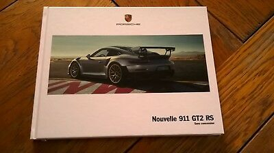 Brochure  PORSCHE 911 GT2 RS 06/2017 : catalogue rigide 100 pages FR