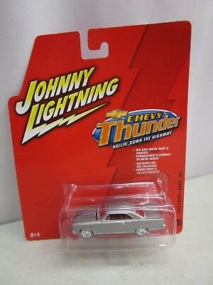 Johnny Lightning CHEVY THUNDER *1966 CHEVY NOVA SS*  1:64  *MOC* #27