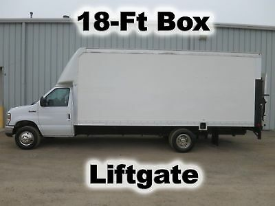 E450 Gas Automatic 18Ft Box Cube Delivery Van Lift Gate Truck 45-K Low Miles
