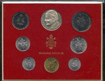 1971 ~ Vatican City ~ Mint Set ~ Uncirculated ~ With Pope Paul Ii Medallion