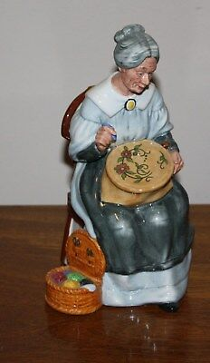 Royal Doulton Lady Figurine Hn 2855 Embroidering ~ Mint Condition