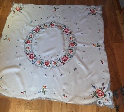 Exquisite Hand Embroidered Floral Tablecloth Lacework Vtg Country Wedding