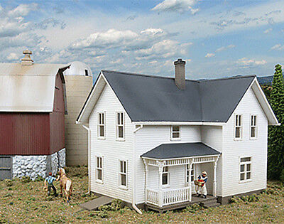 Walthers Cornerstone HO Scale Building/Structure Kit Lancaster House/Farm Series