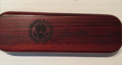 Barrack H. Obama Wooden Office Pen in the wooden Presidential Box NR