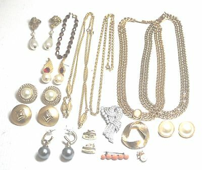 16 Pieces Collection of Gold and Silver Tone COSTUME JEWELLERY - C59
