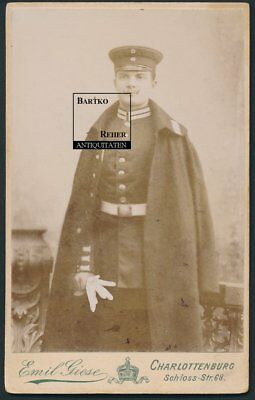 Foto ca. 1890 Berlin-Charlottenburg Garde-Soldat in Uniform mit Mantel
