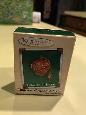 HALLMARK MINIATURE CHRISTMAS ORNAMENT CHARMING HEARTS #2 IN SERIES 2004 Locket