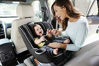 Graco Car Seat Extend2Fit Convertible in Gotham Fashion Black
