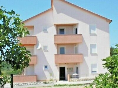 Beautiful 3 bedroom apartment with 2 floors in Croatia on the island of Rab