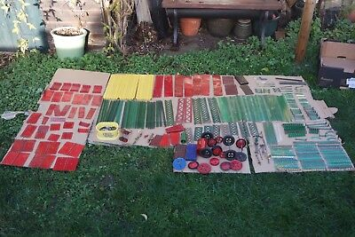 Vintage Meccano LARGE JOB LOT OF GREEN,RED,YELLOW,GEARS WHEELS INC NUTS & BOLTS