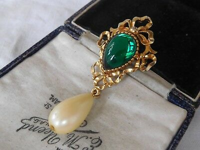Vintage 1960s Emerald Green Glass Cabochon Pearl Drop Brooch signed SPHINX