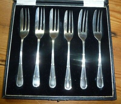 SOLID SILVER DESERT OR CAKE FORKS  81.5grms
