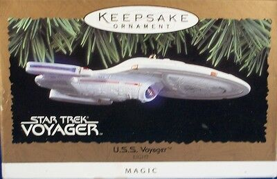Hallmark Keepsake Ornament - Star Trek - Magic - U.S.S. VOYAGER  26