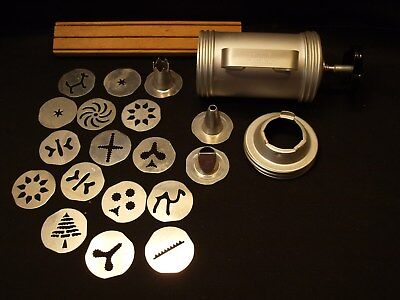 Vintage Mirro USA Aluminum Manual Christmas Cookie Pastry Press w 14 Cutters +VG