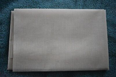 Mull for Bookbinding. Choice of 900mm x 500mm or 900mm x 1 meter lengths.