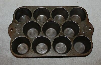 Vintage Wagner Ware Cast Iron Muffin Tray Pan Popover 1323 Excellent Condition