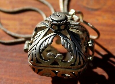 Beautiful Old 925 Sterling Silver Perfume Vinaigrette & Sterling Silver Necklace