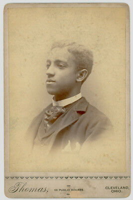 BRIGHT HANDSOME YOUNG BLACK AFRICAN AMERICAN MAN 1880s OHIO CABINET CARD PHOTO