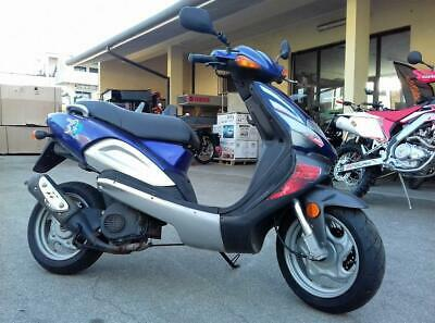 Scooter tgb rs 50 blu