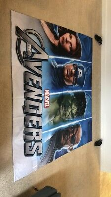 Avengers Cloth Banner 2 Pc. Set (Toys R Us Official Display)