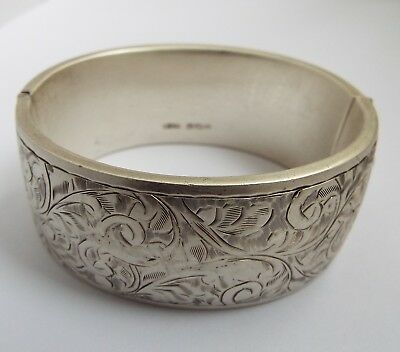Beautiful Large Clean English Antique 1945 Solid Sterling Silver Bracelet Bangle
