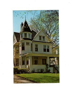 Picture Postcard- Birthplace Home Of Ernest Hemingway, Oak Park, Il Bk12