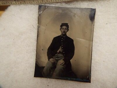 RARE Civil War TIN TYPE OF A VERY YOUNG UNION SOLDIER