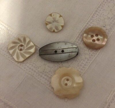 Vintage Mother Of Pearl Carved Shell MOP Buttons 104-4