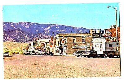 "GARDINE,MT ST SCENE-TEXACO GAS STATION~50s CARS- ""DOWNTOWN"" CLEAN CRISP PC"