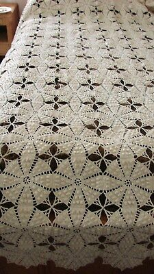 ANTIQUE EARLY 1900s HAND MADE CROCHET BEDSPREAD COVERLET 90 X 90
