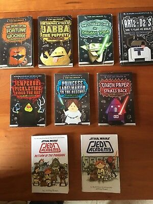Origami Yoda Series: 5 Book Set: Tom Angleberger: 9780545536608:  Amazon.com: Books | 400x300