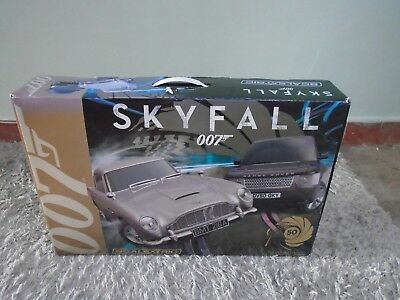 Scalextric 007 skyfall set with extra pieces and cars full size