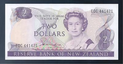 New Zealand, 1981-5, QE11, $2 Dollars, P-170a, CRISP UNC!!