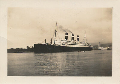 1933  Honolulu Harbor large ship, Aloha Tower Hawaii  Photo