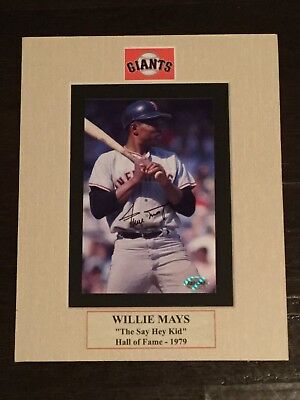 WILLIE MAYS SIGNED AUTOGRAPHED 5x7 PHOTO IN A 8x10 Matt........PHOTO W/COA