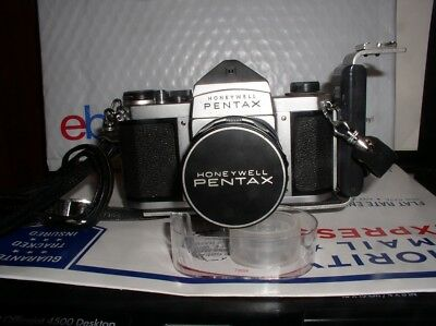 Honeywell Pentax H1a 35mm Film SLR Camera w/ Asahi Super-Takumar 1:2 55mm Lens